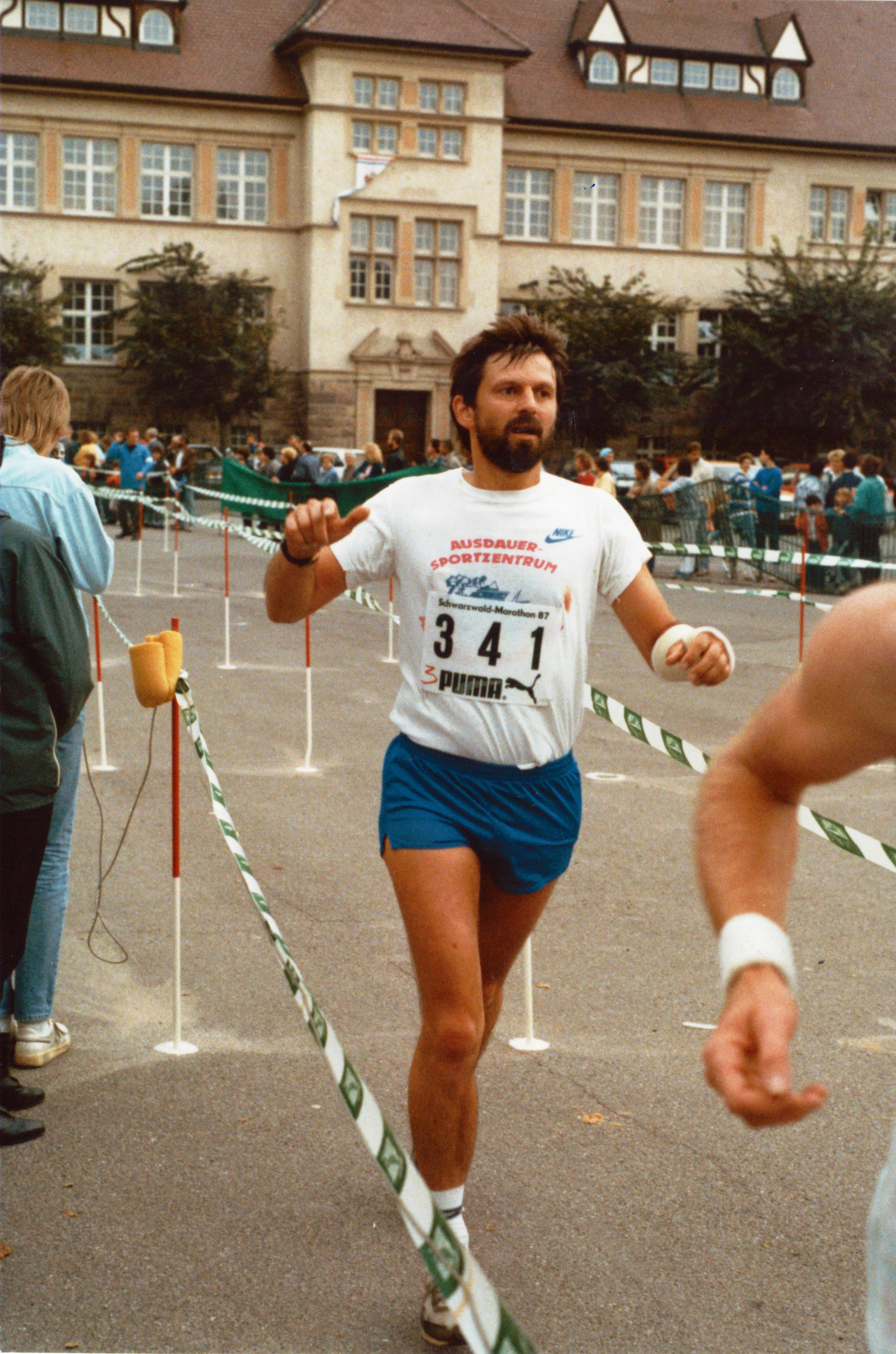 Gipsarm 1987